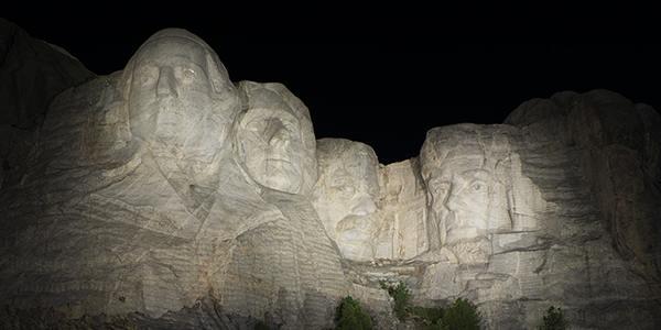 Mount Rushmore aydinlatma 1